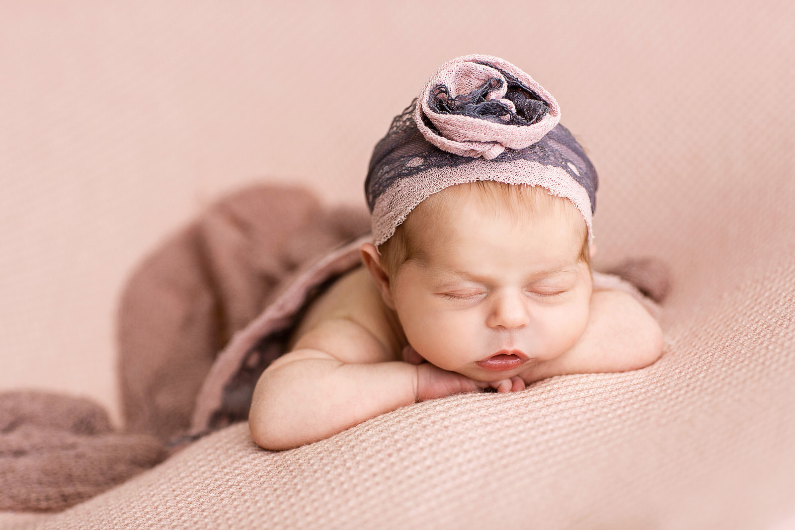 η πρώτη φωτογραφιση του μωρου